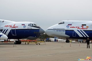 Ilyushin Il-76TD and Antonov An-124-100