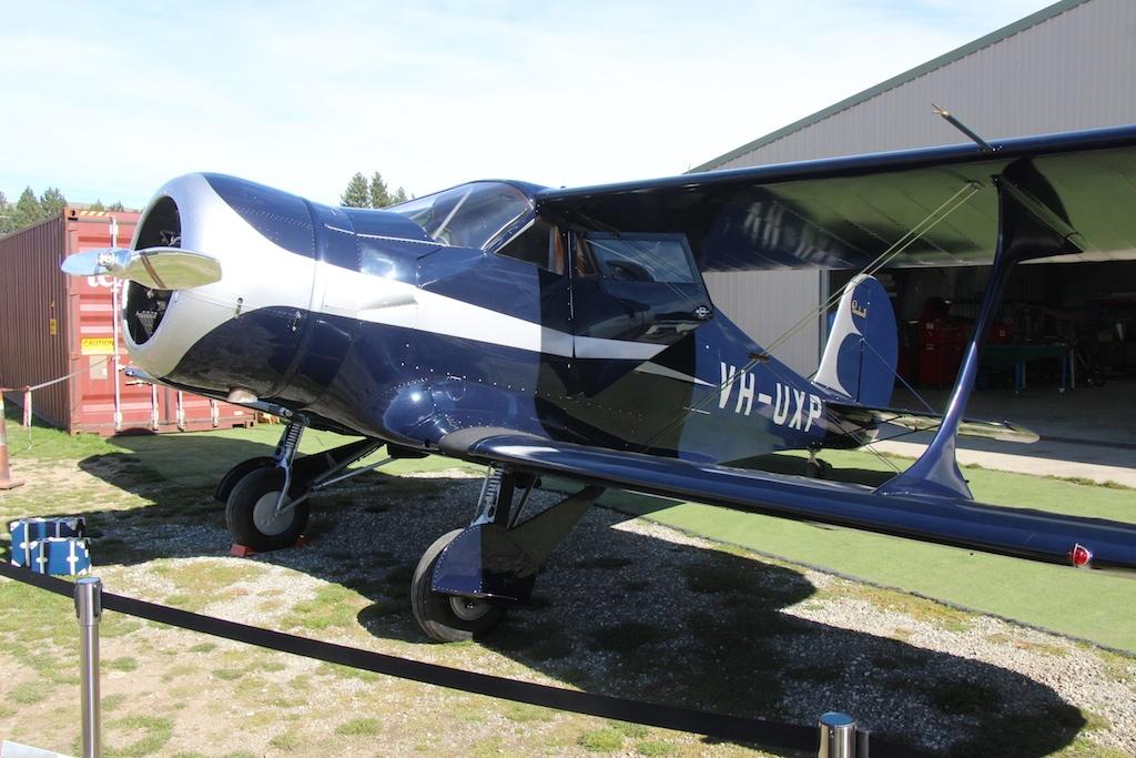 b17s-001